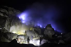 blue fire ijen tours java