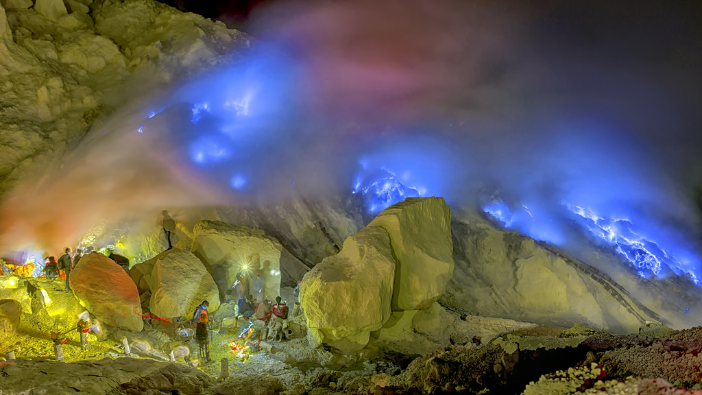 blue flame ijen tours