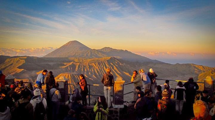sunrise view bromo, bromo sunrise view, bromo tour, bromo tours, bromo tour package