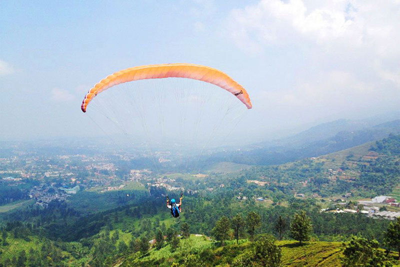 paragliding adventure tours batu