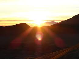 ijen tours sunrise, ijen crater sunrise, ijen tours, ijen crater tours, ijen trekking