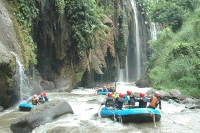 water rafting tour package banyuwangi, water rafting tour banyuwangi, banyuwangi rafting tour
