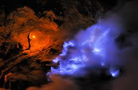 blue flame ijen crater tour