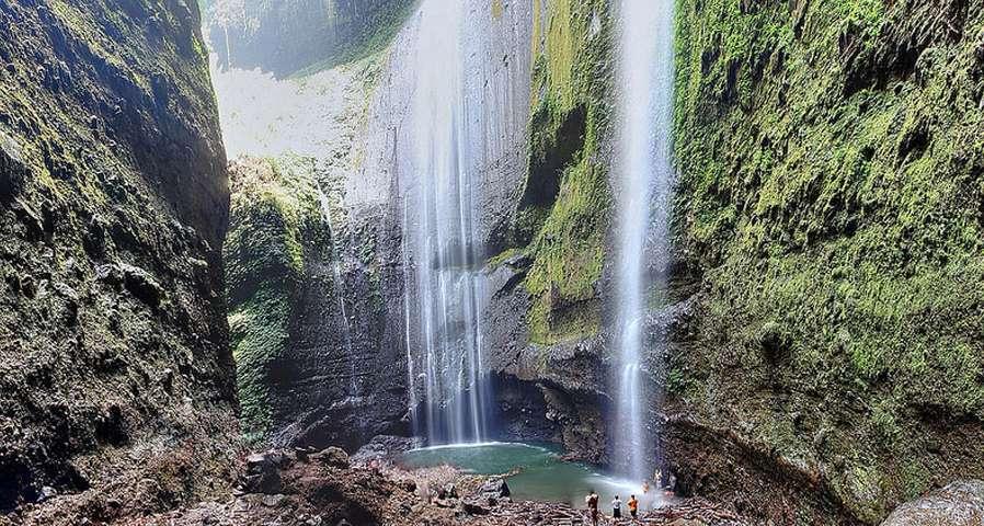 madakaripura waterfall bromo tour