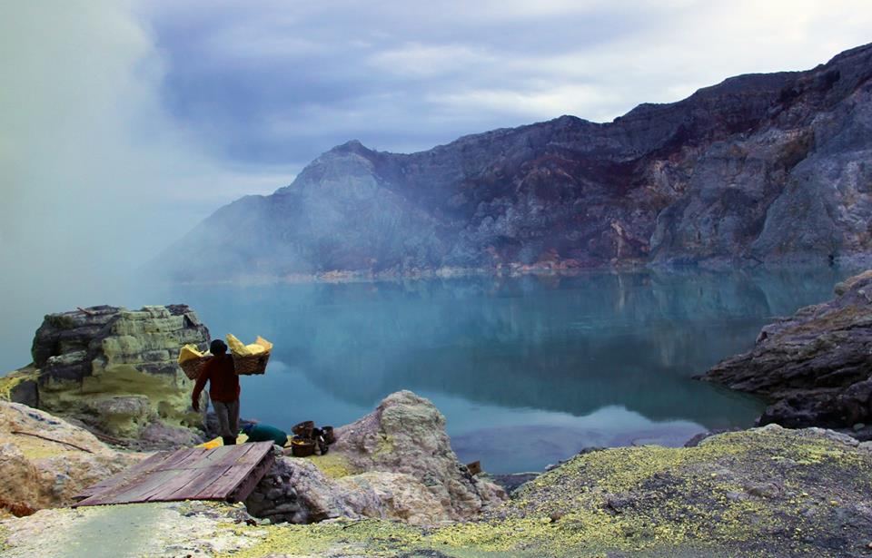 ijen crater tours mining worker
