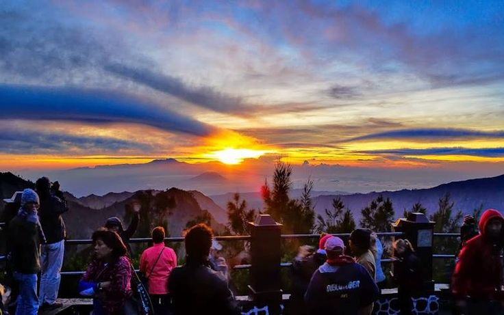 bromo sunrise tours
