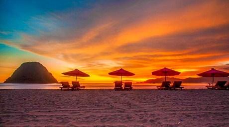 sunset tour pulau merah, pulau merah banyuwnagi, pulau merah trip, wisata pula merah, pulau merah