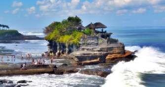 Bali one day tour for Tanah Lot Temple & Uluwatu sunset