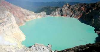 Java adventure tours for Blue Fire Ijen tour, Kalibaru tour, Bromo tour, Yogya tour & Borobudur sunr