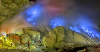 Ijen Crater tour package in Banyuwangi from Bali with blue fire tours & fly to Yogya