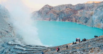 3 days tour package for Ijen Crater Tours & Bromo Tours from Bali  including enjoy Paragliding in Ba