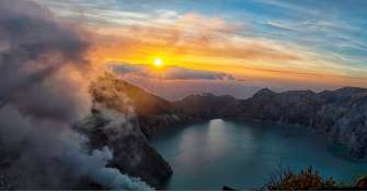 Reasonable price for best Ijen Bromo expedition and Borneo Orangutan tours from Banyuwangi, East Jav