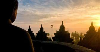 Borobudur sunrise & take train for Bromo Ijen tour - Bali 4D
