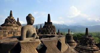 Borobudur Tours-take train for Bromo Ijen Trip-Bali 3D