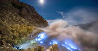 Night trip from Malang or Surabaya for Bromo sunrise tours and Ijen blue fire tours & finish in Bany