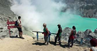 The cheap price of Bali holidays to blue fire tours of Ijen crater in Banyuwangi and back to Bali