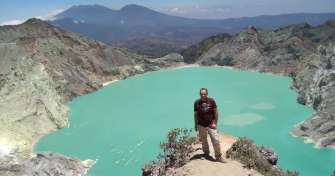 Cheap tour price of night trip from Bali to the blue fire tours Ijen and the sunrise Bromo – Surabay