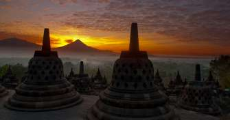 Night Bali trip to Java for blue fire tours in Ijen Crater, sunrise Bromo tours & Borobudur sunrise