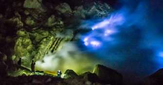 Tour package at night time from Bali to Java for blue fire tours in Ijen Crater, Bromo tour & to Yog