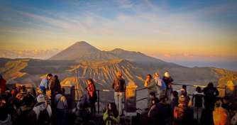 Night trip from Malang or Surabaya in East Java for Bromo Sunrise & Blue Fre Ijen tours then back to