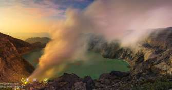 Open trip to Ijen crater in the morning time with tour price IDR 250.000 per person