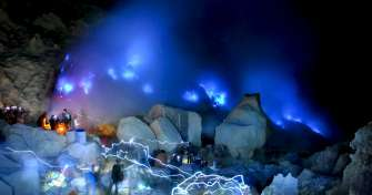 Night trip from Pemuteran to Ijen blue fire tours Banyuwangi - East Java & back to Pemuteran