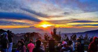 Surabaya to Bromo Sunrise-Savannah-Taman Safari 4D
