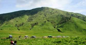 East Java Bromo Sunrise Tours by a jeep & Bromo Savannah Tours by motocross from Surabaya or Malang
