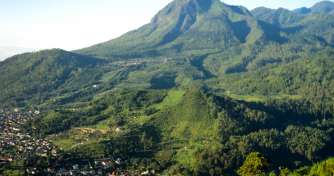 Exploring & adventure tour in East Java to Bali 8D