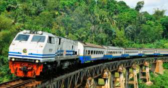Yogya to Surabaya by train for Bromo Ijen tour Bali 3D