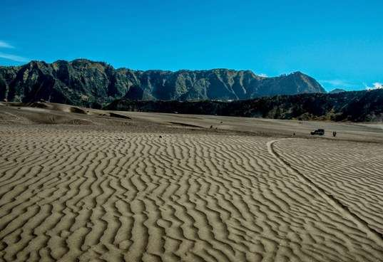 Bromo Ijen Expedition Tours & back to Surabaya 6D