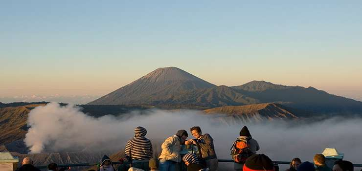 Cheap price for Surabaya to Bromo Ijen tours & to Bali 3D