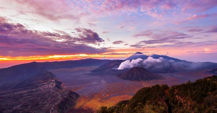 Night Surabaya to Bromo-Savannah-Ijen-Paragliding 5D