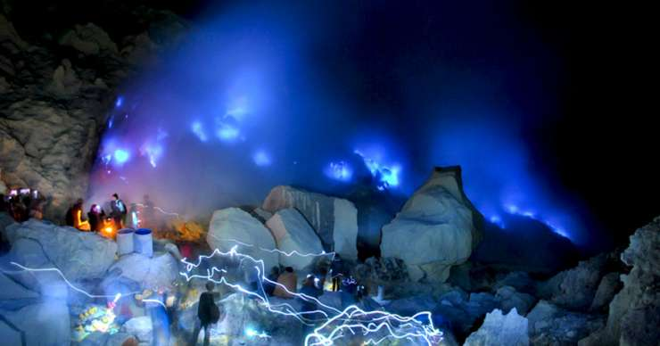 Banyuwangi night trip for Ijen blue fire tours