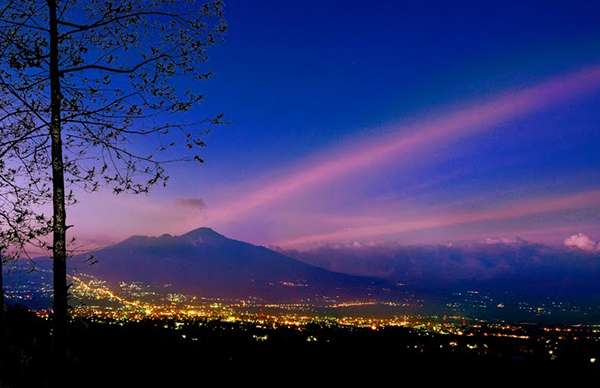 Night tours from Surabaya to Bromo Kalibaru Ijen Bali 5D